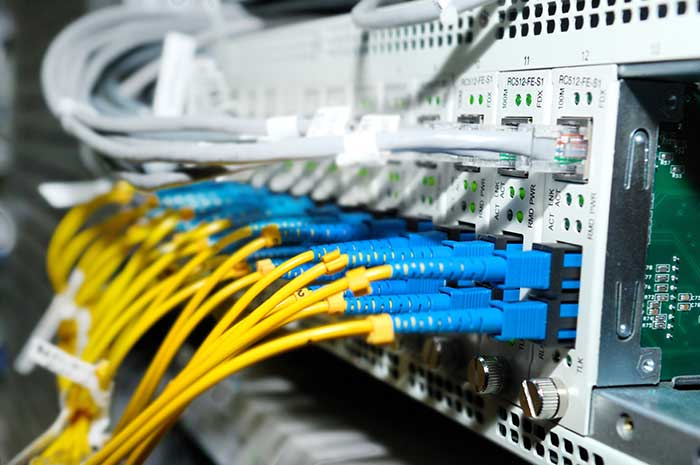 what is the most commonly used cable in networking what are the latest advancements in cabling The most basic type of network cable is cat 5 and it comes in two varieties sctp or screened twisted pair which is mostly used in europe and utp or unshielded twisted pair which is what is commonly used in the united states.